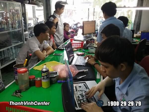 Phòng tiếp nhận - trả máy - thay thế Sửa laptop 24h của Thành Vinh Center