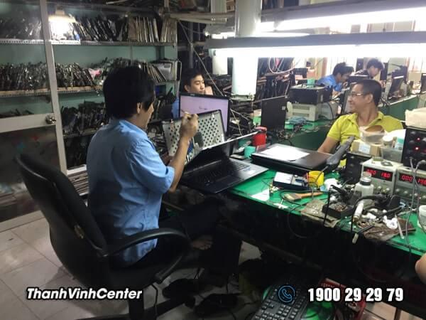 Phòng kỹ thuật - Chuyên sửa màn hình laptop Sửa laptop 24h của Thành Vinh Center