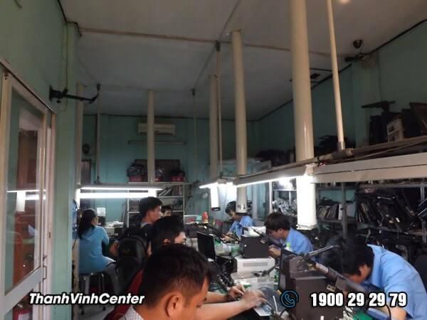 Phòng kỹ thuật - Chuyên khò hàn - sửa mạch Sửa laptop 24h của Thành Vinh Center