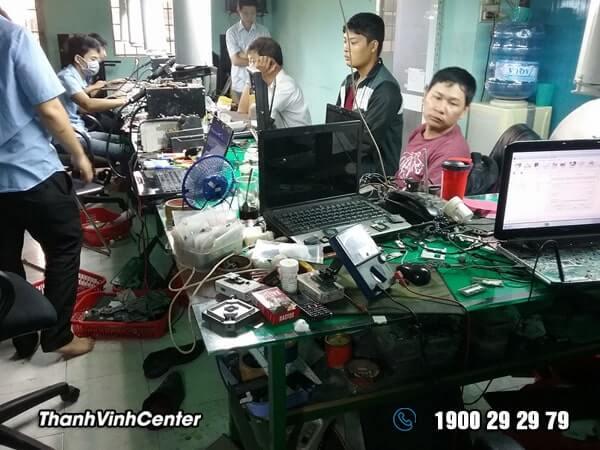 Phòng kỹ thuật - Chuyên sửa chữa laptop Sửa laptop 24h của Thành Vinh Center 02