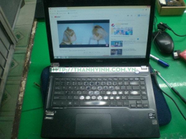Rả Xác laptop LIFEBOOK UH572  core i5 gen 3.