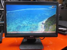 Màn hình máy tính cũ ACER AL1716W450 Ló 1 góc,xước 1 vệt dùng cho camera 17''inch độ phân giải 1400 x 900 pixel.