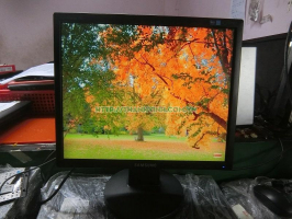 Màn hình máy tính để bàn cũ Samsung 743AE 17''inch độ phân giải 1024x768 pixel.