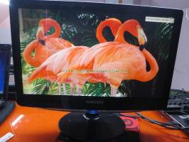 Màn hình máy tính để bàn cũ chuyên dùng cho camera(màn hình 1 sọc chỉ,độ phân giải xuống màu) Samsung SyncMaster B1930N 18.5''inch độ phân giải 1366 x 768 pixel.