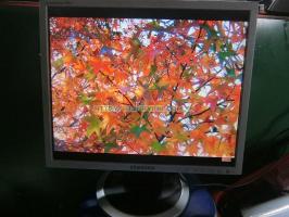Màn hình máy tính để bàn cũ SAMSUNG 740N chuyên dùng cho camera(độ phân giải xuống màu) 17''inch vuông độ phân giải 1280 x 1024 pixel.