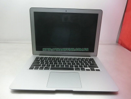 MacBook Air 2012 13''inch  A1466 cpu core i5 ram 4gb ổ cứng ssd 120gb vga intel hd graphics màn hình 1440 x 900.