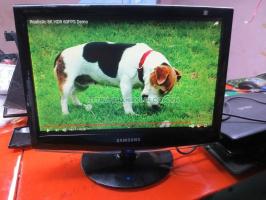Màn hình máy tính để bàn chuyên dùng cho camera(độ phân giải xuống màu) SAMSUNG 733NW 17''inch độ phân giải tối đa 1440x900.